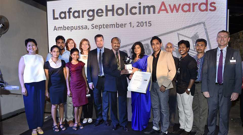 A15_si_Group_Winners_Army_LafargeHolcimReps_JuryReps.jpg