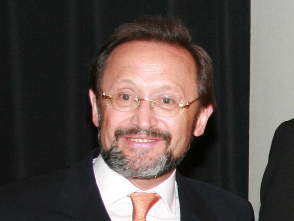 Carlos Bühler is former Chairman of the Advisory Board of Holcim Brazil.
