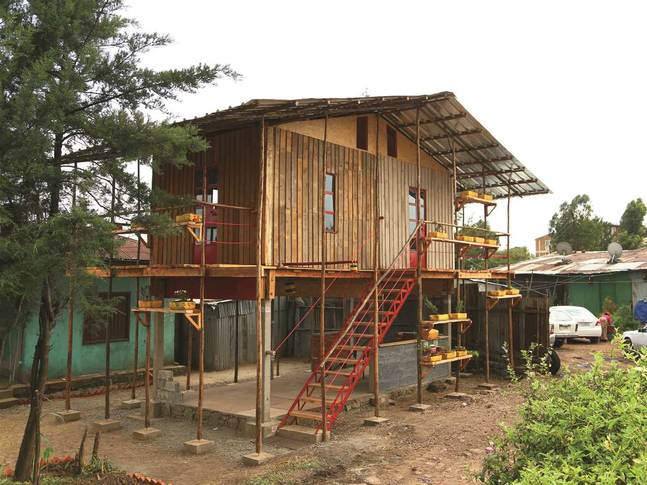 Holcim Awards Bronze 2014 – Incremental Construction: Low-cost modular housing scheme, …