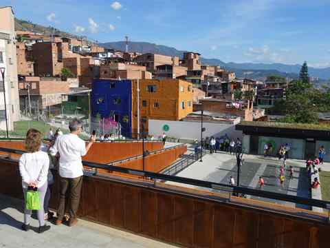 Global Gold Awards 2015 prize handover – Visiting tour at UVA La Alegria, Medellín, Colombia