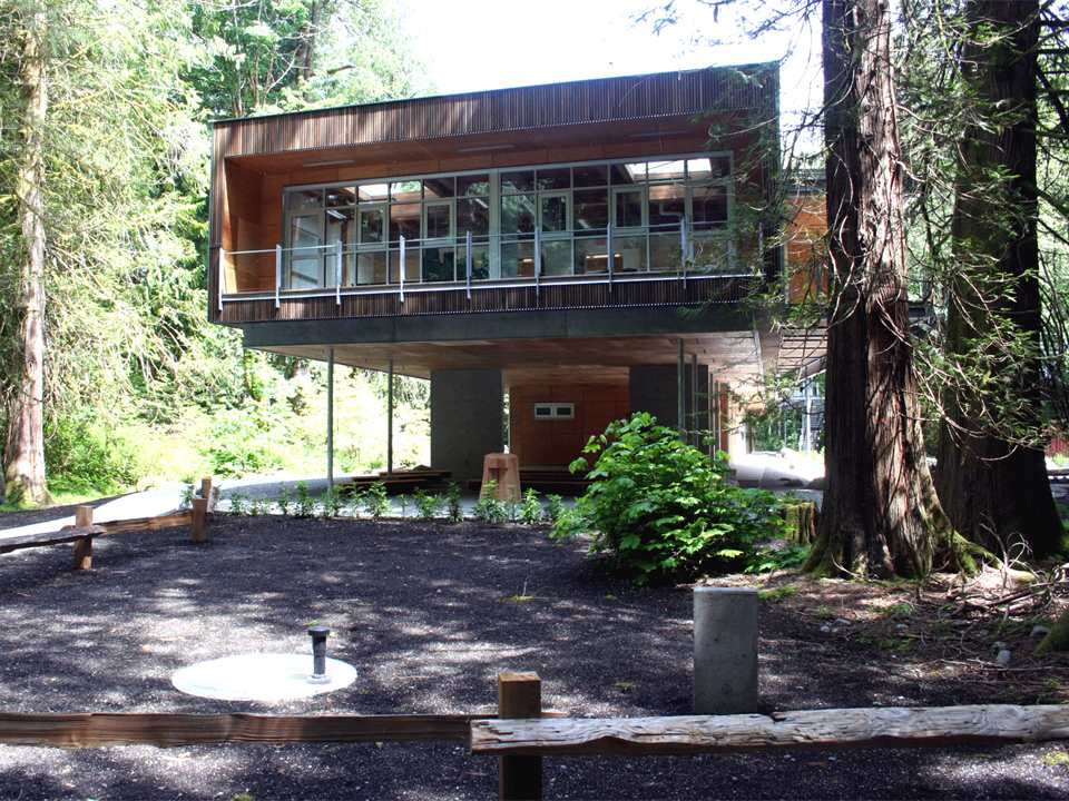 Minimal-impact North Vancouver Outdoor School