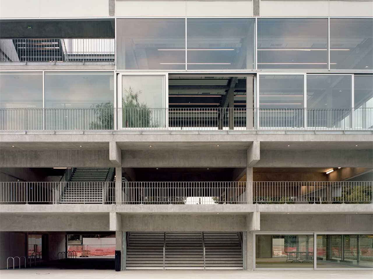 public condenser: low-cost flexible university building, paris