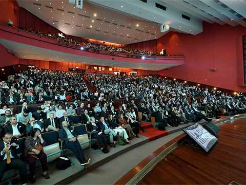 More than 2,000 people attended the opening session of the Forum on the campus of the AUC. …