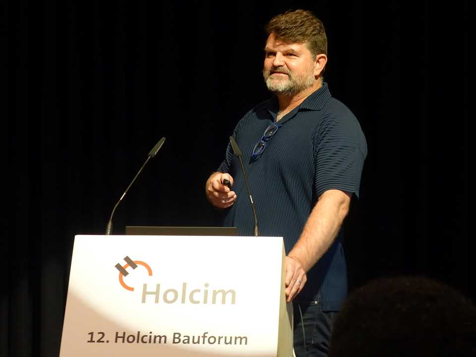 LafargeHolcim Awards winner Kai-Uwe Bergmann at the Holcim Bau-Forum in Germany
