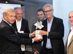 Handover of Global Holcim Innovation 2nd prize