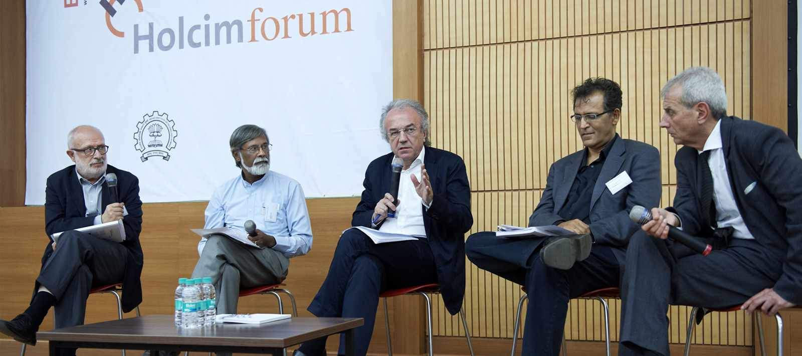 4th Forum in Mumbai, India 2013: Concluding debate discussing workshop findings (l-r): Rolf …