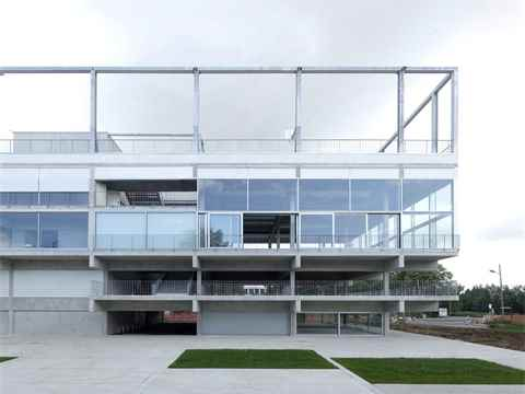 Low-cost university building that really stacks up