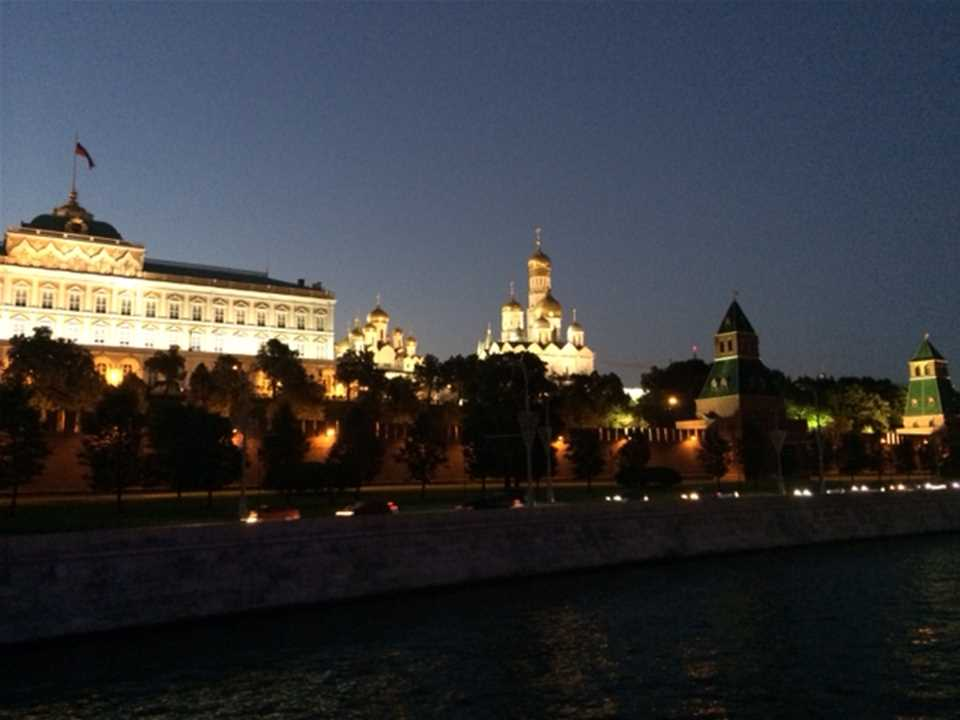 HA14_EUR_2nd_RiverTour_Kremlin2.JPG