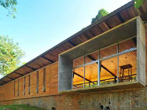 Global finalist entry 2015 - Post-War Collective: Community library and social recuperation