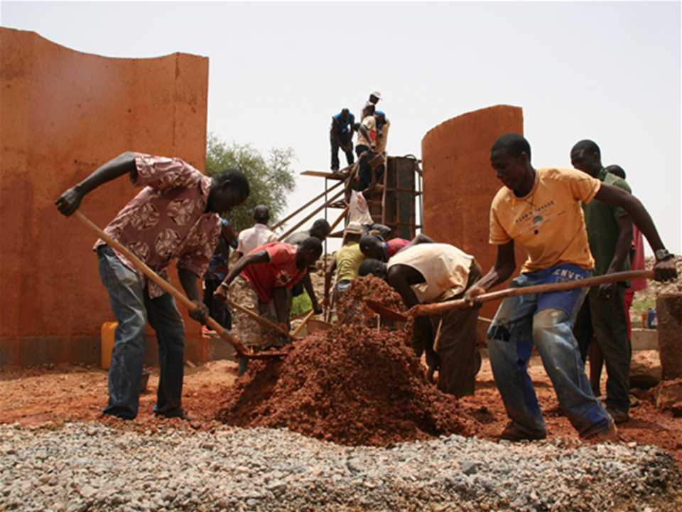 Project update June 2012 – Secondary school with passive ventilation system, Gando, Burkina