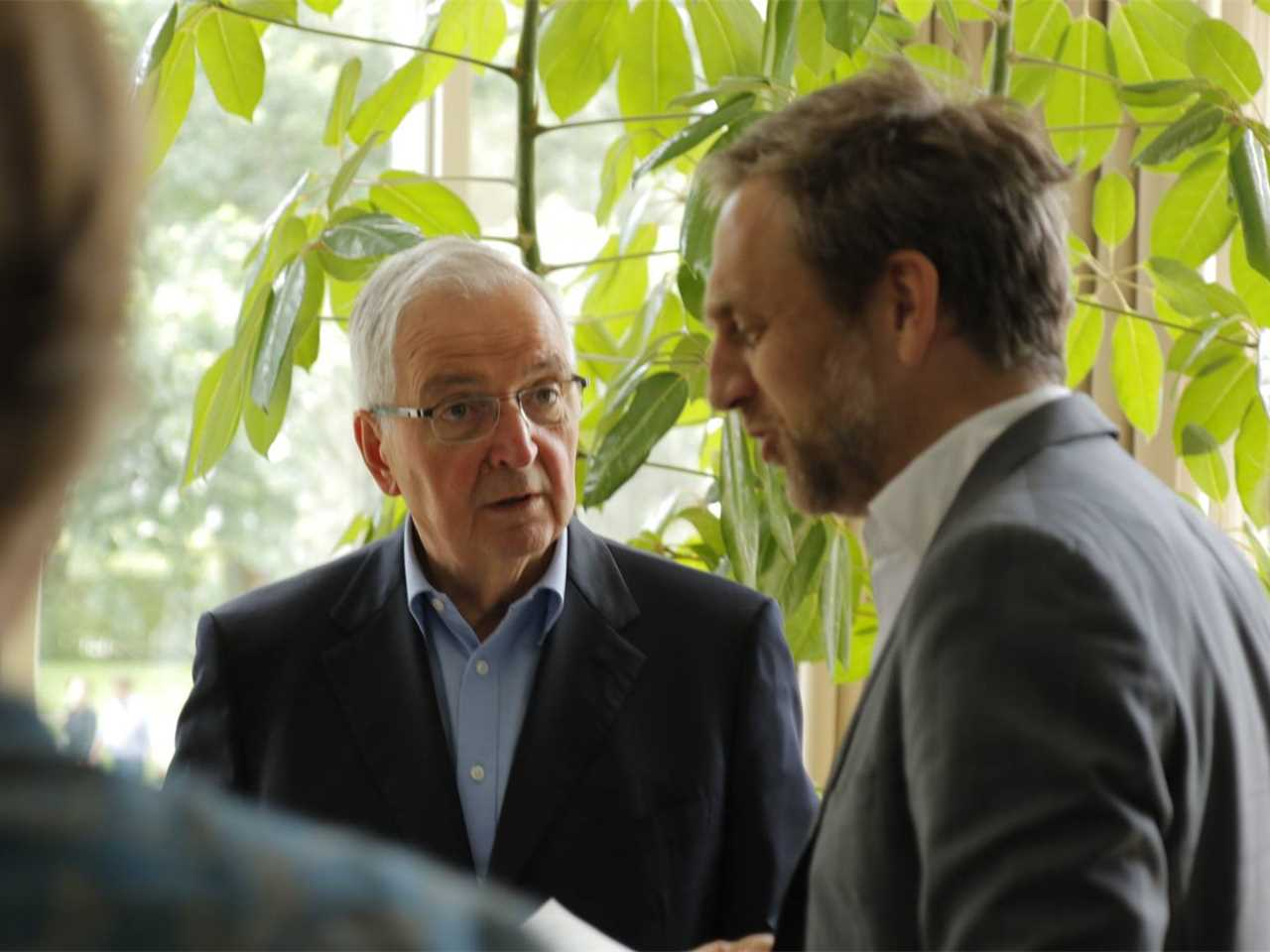 Klaus Töpfer meets with Jan Edler, July 2015 – Flussbad: Urban renewal and swimming-pool …