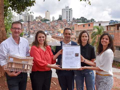 "Global Awards finalist 2018 certificate handover for ""Community Capital"" in Brazil"