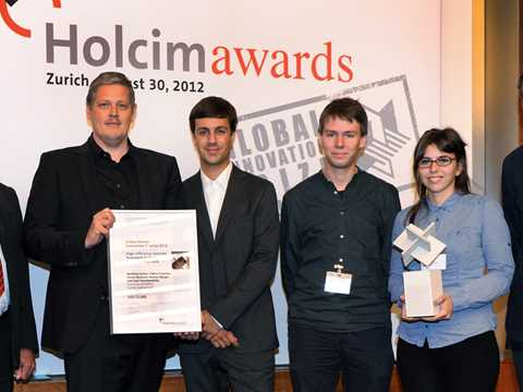 Handover of Global Holcim Innovation 1st prize